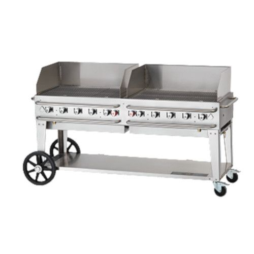 Crown Verity CV-RCB-72WGP-LP 10-Burner Pro Series Outdoor Grill with Wind Guards