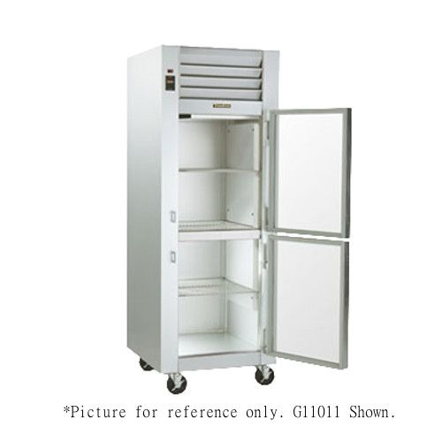 Traulsen G11000-032 Reach-In Refrigerator with Hinged Right 1/2 Height Glass Doors