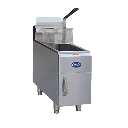 Globe GF15G 15 lb. Natural Gas Countertop Fryer - 26,500 BTU