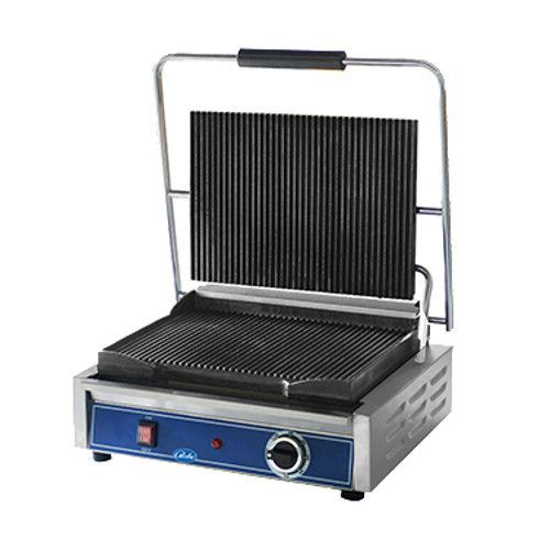 Globe GPGS1410 Sandwich / Panini Grill with Grooved Top and Smooth Bottom