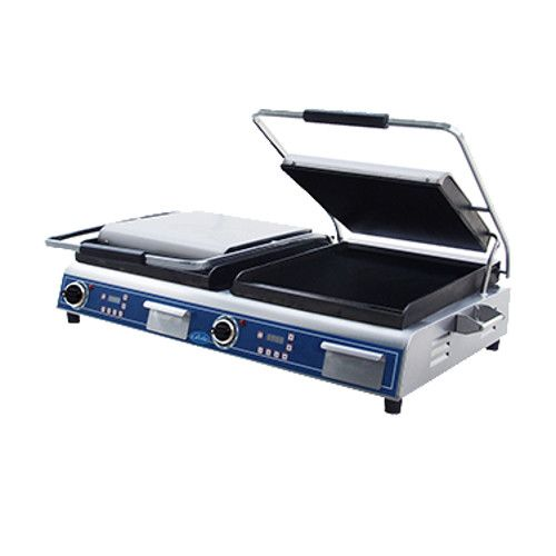 Globe GSGDUE14D Deluxe Double Sandwich Grill with Smooth Plates